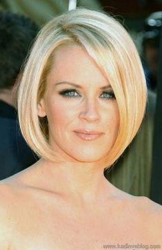 Oval Yüz Şekline Sahip Kadınlar için Kısa Saç Modeli Bob Stili
