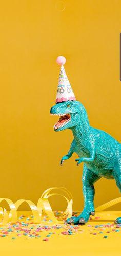 Very Happy Birthday, Happy Birthday Images, Birthday Messages, Birthday Wishes, Birthday Cards, Happy Birthday Illustration, Plastic Dinosaurs, Dinosaur Party, Cool Cards