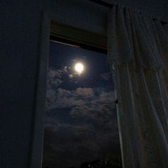 Night Aesthetic, Aesthetic Art, Aesthetic Pictures, Aesthetic Backgrounds, Aesthetic Iphone Wallpaper, Aesthetic Wallpapers, Moon Wallpaper, The Moon Is Beautiful, Dark Paradise