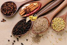 सुगंधित गरम मसाला बनाने की विधि – Garam Masala Recipe in Hindi Masala Recipe, Garam Masala, Food To Make, Yummy Food, Stuffed Peppers, Recipes, Banana, Delicious Food, Stuffed Pepper