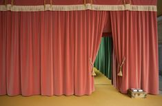 Hm Home, Film Inspiration, Scenic Design, Red Aesthetic, Set Design, Installation Art, Backdrops, Colours, Interior Design