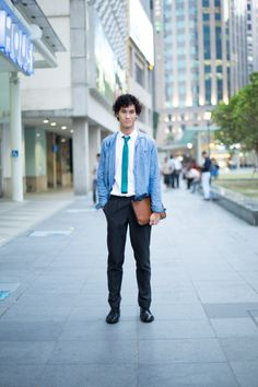 SHENTONISTA: Dapper And Droll, Daniel Hilarion, Writer, Blazer from Burberry Prorsum and Clutch from Coach. #shentonista #theuniform #singapore #fashion #streetstyle #style #ootd #sgootd #shentonway #wiwt #popular #people #male #female #womenswear #menswear #coach #burberryprorsum #writer