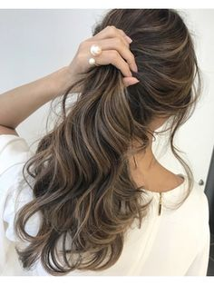 49 Beautiful Light Brown Hair Color To Try For A New Look Gorgeous Balayage Hair Color Ideas - brown Balayage Highlights,Beachy balayage hair color Carmel Hair Color, Ombre Hair Color, Hair Color Balayage, Brown Hair Colors, Carmel Blonde, Hair Color Brunette, Carmel Ombre, Sunkissed Hair Brunette, Straight Brunette Hair