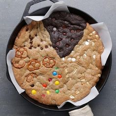 Giant Multi-Flavor Cookie Recipe by Tasty - Trend Noodle Side Dish Recipes 2019 Cookie Flavors, Cookie Recipes, Dessert Recipes, Cookie Desserts, Baking Recipes, Make Chocolate Chip Cookies, Chocolate Chip Cookie Dough, Chocolate Desserts, Proper Tasty