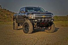 Jacked up truck o yeah Old Ford Trucks, Lifted Chevy Trucks, Gm Trucks, Cool Trucks, Lifted Dodge, Diesel Trucks, Cummins, E90 Bmw, Chevy Duramax