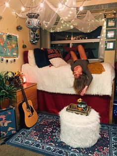 This is one of the cutest dorm room ideas for girls! Cute dorm room ideas that you need to copy! These cool dorm room ideas are perfect for decorating your college dorm room. You will have the best dorm room on campus! Cute Dorm Rooms, College Dorm Rooms, Girl Dorm Rooms, Dorm Room Rugs, Ucf Dorm, Diy Room Decor For College, Dorm Room Seating, Dorm Room List, Student Bedroom