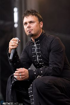 One of my favourite male vocalists of all time, Roy Khan, formerly of Kamelot. An amazingly gifted singer.