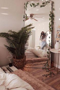 In Bedroom Categories, we discuss What you don& know about Boho Hippy Bedroom . - In Bedroom Categories, we discuss What you don& know about Boho Hippy Bedroom Room Ideas Cozy - Teenage Room Decor, Room Ideas Bedroom, Home Decor Bedroom, Bedroom Designs, Hippie Bedroom Decor, Modern Bedroom, Mirror In Bedroom, Bedroom Ideas For Small Rooms Cozy, Bedroom Inspo