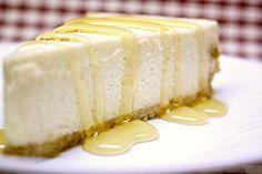 Φτιάξτε μόνοι σας cheesecake με «άρωμα» Ελλάδας! πως θα σας φαινόταν με μέλι και γιαούρτι το πολυαγαπημένο γλυκοό!