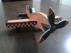 arte y diseño para avión de juguete en madera by medusa creativa.