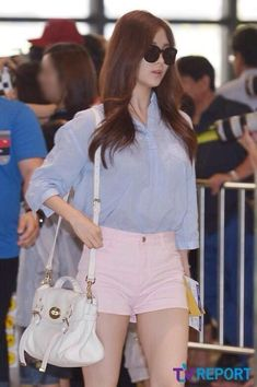 Sooyoung, Yoona, Airport Fashion Kpop, Snsd Fashion, Airport Style, Girls Generation, Yuri, Red Carpet, White Shorts