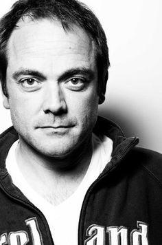 Mark Sheppard has been on so many shows I love...Supernatural, Doctor Who, Chuck, Warehouse 13, Burn Notice, White Collar, The Middleman... just to name a few.