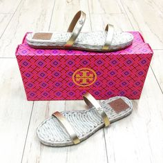 Tory Burch sandals size 7 $64.99 item #7915-514 Alexis Suitcase  At the Johns Creek location! For info or to purchase please call 770.390.0010 ex 2 #AlexisSuitcase #Consignmentatlanta #consignment #resale #highenddesigner #designer #consign #atlanta #atlantaconsignment #consignatlanta #resaleatlanta #luxury #luxuryfashion #fashioninspiration #toryburch #toryburchsandals by alexissuitcase