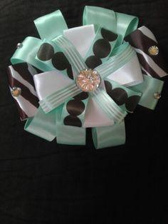 Hair bows for girls ! Anybody interested