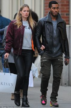 You better shop around: The Dutch looker and her DJ husband dressed casually for retail therapy as the couple popped into shops in the trendy Soho district Black Guy White Girl, Hot Black Guys, White Girls, White Women, Black Men, Dna Model, Doutzen Kroes, Inspiration Mode, Fashion Couple