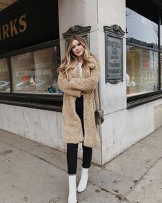 a tan teddy coat, a white tee, black jeans with a raw hem and white booties plus a brown bag Casual Fall Outfits, Fall Winter Outfits, Autumn Winter Fashion, Trendy Outfits, Cute Outfits, Dress Winter, Fashion Spring, Dress Outfits, Booties Outfit