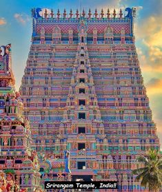 [x-post] Making a break for the top in r/woahdude: Sri Ranganathswamy Temple Srirangam Photo by Prudhvi Chowdary - Architecture and Urban Living - Modern and Historical Buildings - City Planning - Travel Photography Destinations - Amazing Beautiful Places Temple India, Hindu Temple, Frank Gehry, Indian Architecture, City Architecture, Futuristic Architecture, Urban Planning, Trip Planning, Abandoned Buildings
