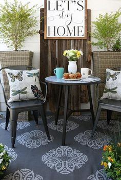 Looking for outdoor farmhouse style that doesn't break the bank? Take after @refreshrestyle1!