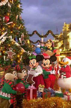 Walt Disney Christmas images holiday.filminspector.com