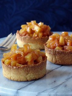 quince tartlets recipe with olive oil and cardamom crust - if no quince - sub pears Quince Pie, Quince Fruit, Quince Cakes, Tart Recipes, Fruit Recipes, Sweet Recipes, Dessert Recipes, Cook Desserts, Kitchen