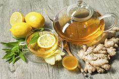 лимон нарезан достан сахар на время замер бег минут пьём чай и в сердце сотни сакур цветут