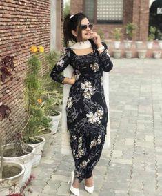 Kaur b 🔥🔥🔥 Patiala Suit Designs, Kurta Designs, Stylish Dress Designs, Stylish Dresses, Punjabi Fashion, Indian Fashion, Dress Indian Style, Indian Outfits, Kaur B Suits