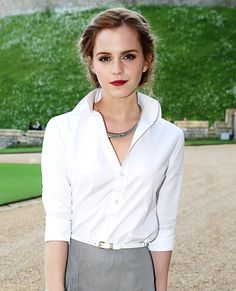 The British actress dined with royalty at Windsor Castle, dressing up for the occasion in head-to-toe Ralph Lauren—a crisp button-down and a gray silk jersey evening skirt—that she gracefully teamed with a white skinny belt and Ana Khouri jewelry.