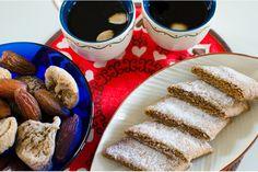 Julig kolakaka  De här kolakakorna passar perfekt till jul - som pepparkakor, men med mera tuggmotstånd och smak!
