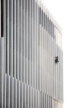 Aires Mateus, Juan Rodriguez · EDP Headquarters / office Building Facade / Vertical Fixed Brise Soleil / White Metal Brise Soleil /
