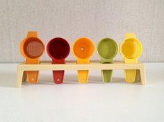 Vintage tupperware ustensils set vintage / by EphemereIntemporel