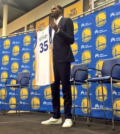 Kevin Durant is officially introduced as a Warrior
