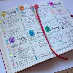 Easy Bullet Journal Ideas To Well Organize & Accelerate Your Ambitious Goals Bullet Journal Décoration, Journal Español, Minimalist Bullet Journal, Journal Layout, Journal Ideas, Bullet Journal Daily Spread, Bullet Journal Organisation, Planner Organization, College Organization