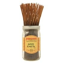 Good Earth™ - A relaxing fragrance blend with notes of crushed tonka bean, patchouli, shaved cedarwood, rich amber, jasmine, rose and oakmoss.