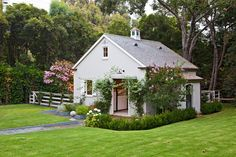 gorgeous little stable. 1691 Mandeville Canyon Road Brentwood, California