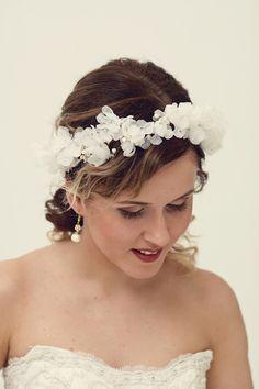 LUXUS Haarschmuck & Kopfputz - Blumenkranz Hochzeit Haarband Blumen Haarschmuck - ein Designerstück von maijasweddingbliss bei DaWanda