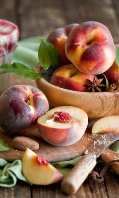 Health benefits of peach fruit include relief from hypokalemia cancer obesity cholesterol blood stasis and neurodegenerative diseases. It helps in maintaining healthy vision skin care nervous system healthy bones and teeth. It has anti-aging prope Fruit And Veg, Fruits And Vegetables, Fresh Fruit, Fruit Photography, Cholesterol Lowering Foods, Cholesterol Symptoms, Cholesterol Levels, Beautiful Fruits, Peach Trees