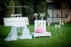 Rincón para recibir a los invitados. #weddingplanner #LaCasaDeLaNovia.es #weddingplannermadrid #weddingplannerguadalajara #ideasboda #bodarustica #bodavintage #bodasbonitas #bodaenbeige #bodasenrosa