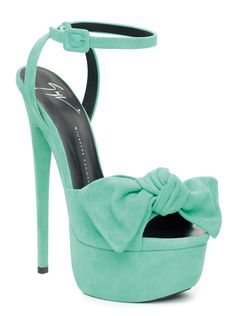 okay, i would look like a hooker in these, but they're SO CUTE