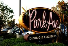 mid century signage - Google Search Takeout Restaurant, Diner Restaurant, Diner Sign, Commercial Architecture, Futuristic Design, Mid Century Modern Art, Parking Lot, Signage, Bing Images