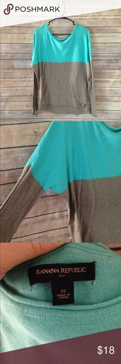 Banana Republic Colorblock Sweater sz XS Gorgeous Dolman Sleeve lightweight sweater- ❌no trades, holds, or lowball offers. ✅Clean and smoke free home, quick shipping, bundle discount, always! 🎁Free gift with $15+ bundle. Banana Republic Sweaters Crew & Scoop Necks