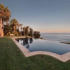 Soulmate24.com Ocean Front Spanish Estate in Malibu #California #cali.… #california #realestate #cali #luxurylife #mansionhomes Mens Style