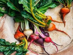 Beets for vibrant colors Food Photography Styling, Food Styling, Fresh Vegetables, Fruits And Veggies, Raw Food Recipes, Healthy Recipes, Healthy Food, Vegetables Photography, Eating Raw
