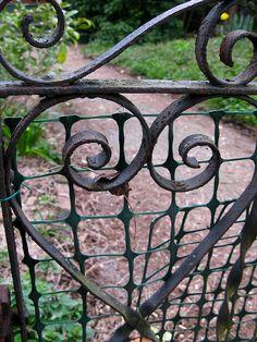 Beautiful Vintage metal and wrought iron gate Garden Doors, Garden Gates, Old Gates, Wrought Iron Gates, Modern Garden Design, I Love Heart, Pallets Garden, Fence Gate, More Photos