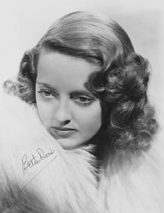 The great Bette Davis earned eleven Best Actress Oscar nominations during her incredible Hollywood career. Tough, brassy and always the consummate actress, Davis scored her first Academy Award playing Joyce Heath in Dangerous Valuable Bette Davis Old Hollywood Stars, Old Hollywood Glamour, Golden Age Of Hollywood, Vintage Hollywood, Classic Hollywood, Hollywood Lights, Old Movie Stars, Classic Movie Stars, Classic Movies