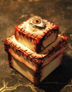 Zombie flesh with eyeball decorative box