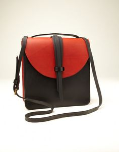 Prussia Satchel (red / black)