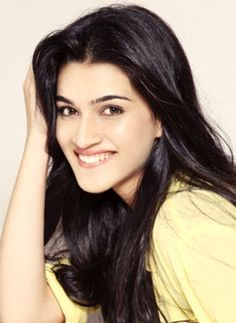 Her smile is killing me! Bollywood Heroine, Beautiful Bollywood Actress, Beautiful Celebrities, Beautiful Actresses, Cute Selfie Ideas, Ideas For Instagram Photos, Bollywood Outfits, Cute Girl Photo, Bollywood Stars