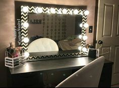 """XL 30""""H 42""""W Fabric Print, dimmer/outlet self standing $405 shipping available Layaway payments available. Fb-Vanity J IG @Vanity J"""