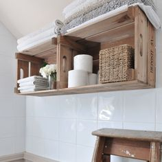 Looking for bathroom storage ideas? Bathroom storage is key to a successful bathroom makeover. Take a look at these bathroom storage hacks Diy Home Decor, Room Decor, Diy Casa, Wood Crates, Wooden Crate Shelves, Crates On Wall, Apple Crate Shelves, Wooden Apple Crates, Wooden Boxes