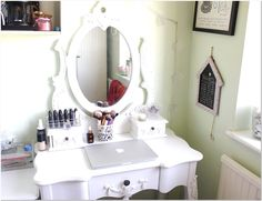Iphone Dressing Table With Mirror In Bedroom Design Ideas 60 in Jacobs flat for your home decor arrangement ideas in the matter of Dressing Table With Mirror In Bedroom Design Ideas